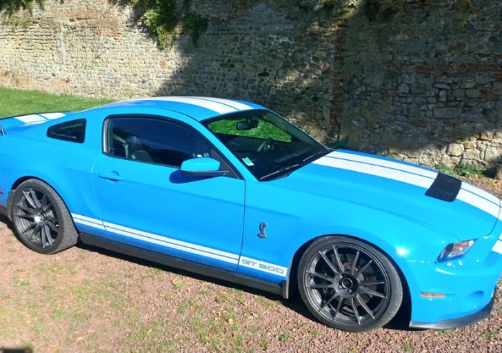 stage mustang shelby GT 500 sur route
